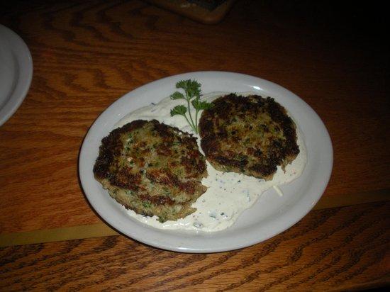 Longhorn Steak & Ale: Crab cakes
