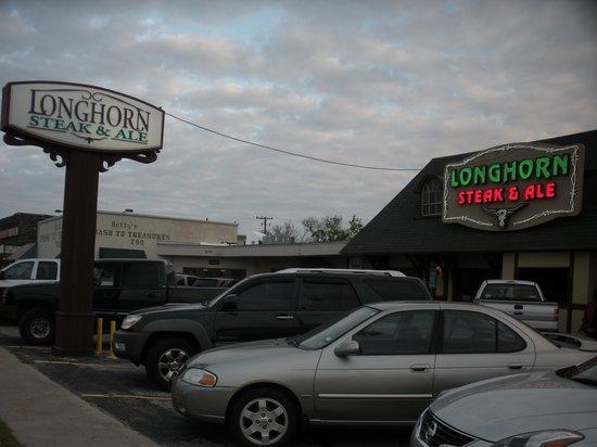 Longhorn Steak & Ale: Easy to find.