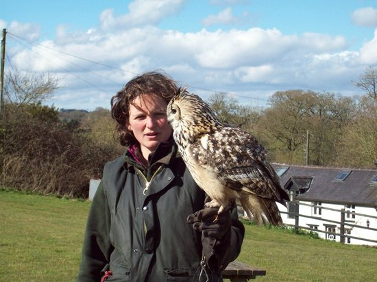 Yaraks Birds Of Prey Falconry Centre : Michelle (our instructor) and Buffy (Bengal Eagle Owl)