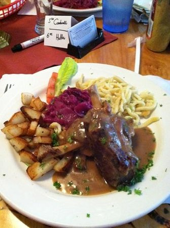 Cafe Old Vienna: fabulous grilled pork shank
