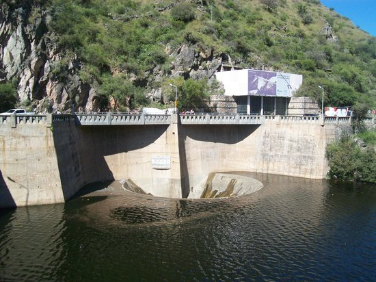 El Dique San Roque Y El Embudo