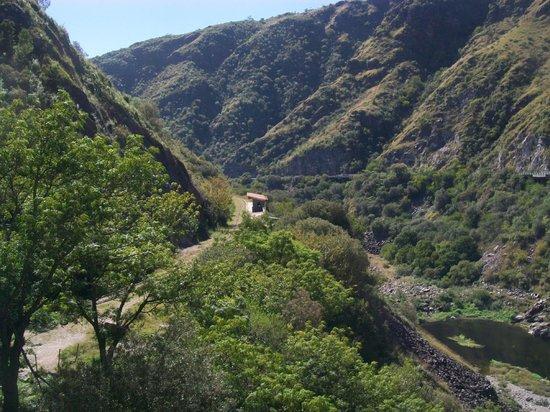 El Dique San Roque Y El Embudo: la via del tren
