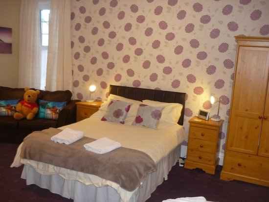 Boulmer Guest House: Room 2 Large Family en-suite