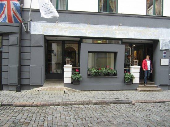 رادي أون دراوجي: Eingang Hotel