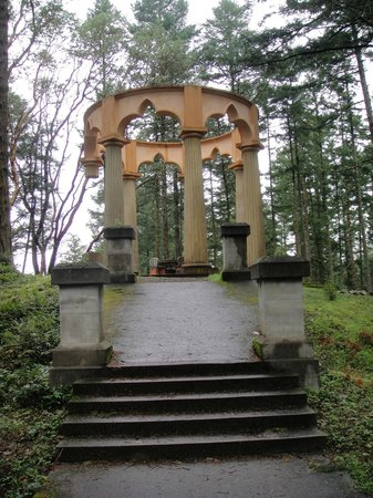 Roche Harbor Resort: McMillina family mausoleum