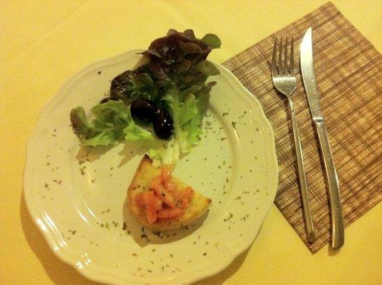 Trattoria da Attilio: Bruschetta - Gruß aus der Küche