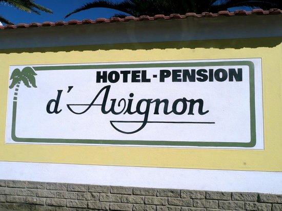Hotel Pension d'Avignon: Pensionsschild