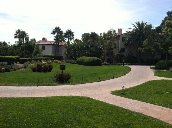 The Ritz-Carlton Bacara, Santa Barbara: Winding paths