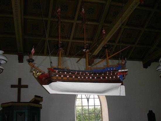 Baago Kirke: Kirkeskib