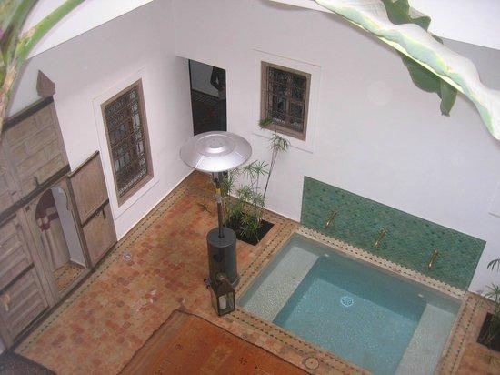 Riad Altair: inside