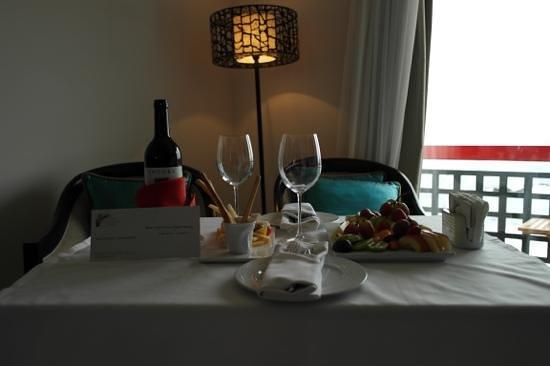 Arkin Palm Beach Hotel: Room service