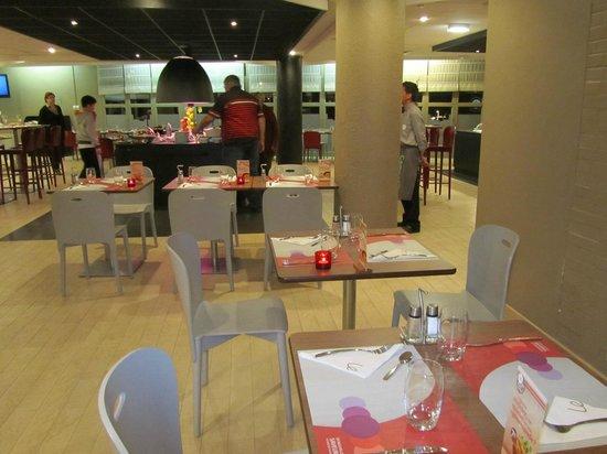 Campanile Marne la Vallée : Dining room