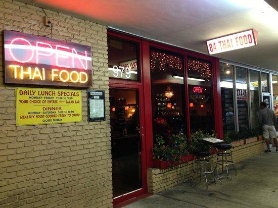 84 Thai Food: Outside view