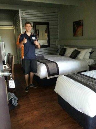 Morwell Motel room