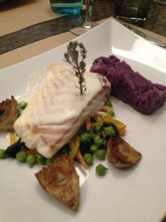 Aux Fines Herbes : Fillet of cod