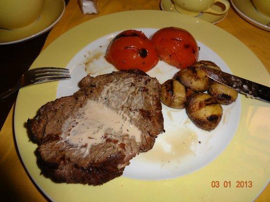 Crowne Grill: Australian beef tenderloin