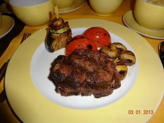 Crowne Grill: Beef tenderloin