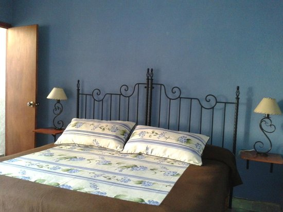 Casa Rose Bed and Breakfast: Room 4 - cama king size