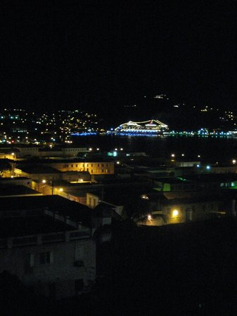 Miller Manor Guest House: Cruise ships at night from the gallery