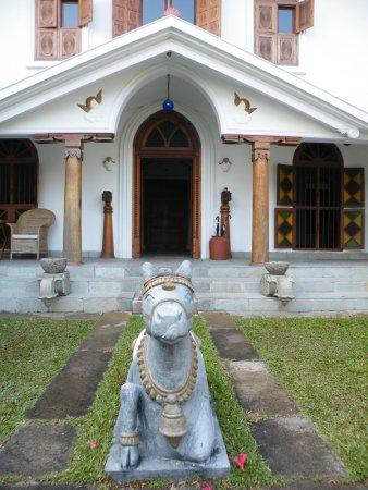 Purity at Lake Vembanad: Ingang van het hotel
