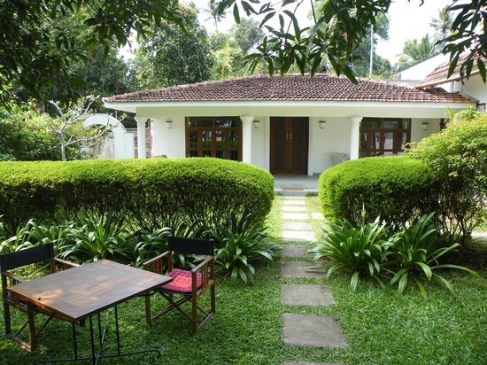 Purity at Lake Vembanad: De Garden Bungalow