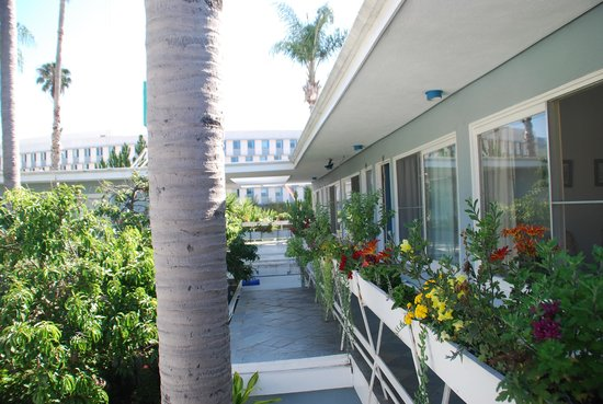 Seaview Hotel: Pasillo exterior
