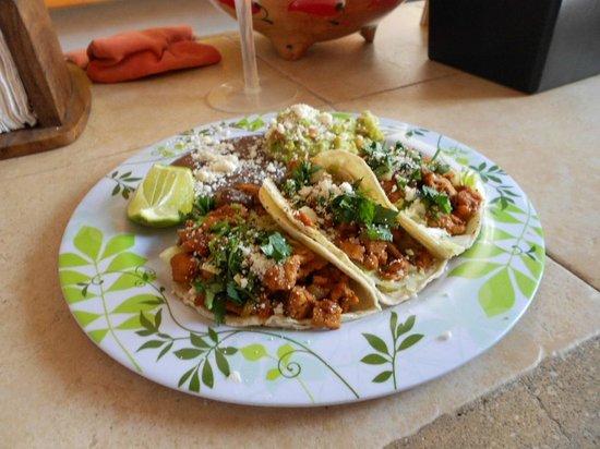 Casita de Maya: Cochinita tacos!