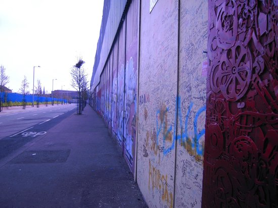 Belfast private taxi tours aktuelle 2018 lohnt es sich for Belfast mural tours