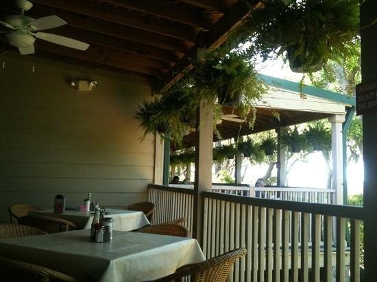 Barbara Jean's Restaurant : outside porch