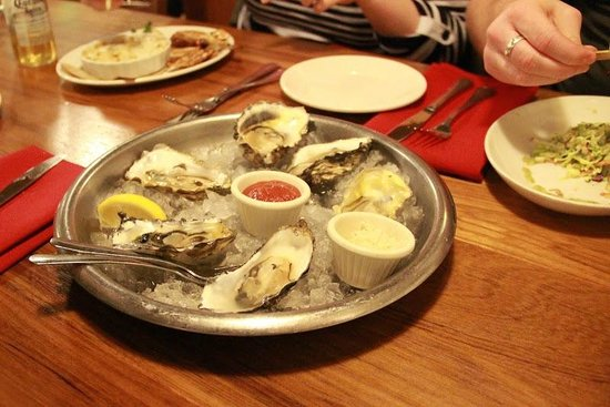 The Fish Market: Oyster platter - yummy!