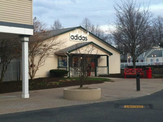 adidas outlet aurora farms