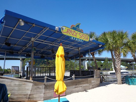 Staybridge Suites Gulf Shores: Lulu's Bar and Grill.  Jimmy Buffet's Sister