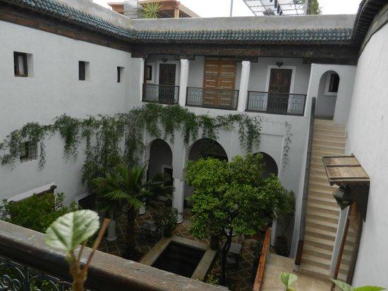 Le Rihani: le patio et 3 chambres suite