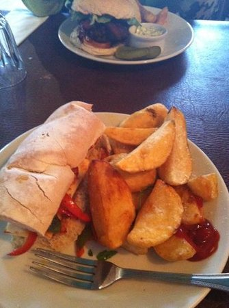 The North Star: halloumi and hand cut supersize chips!