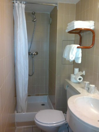 New Hotel Saint Lazare : salle de bains