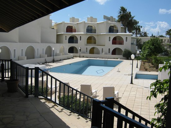 Pandream Hotel Apartments: View of the pool area