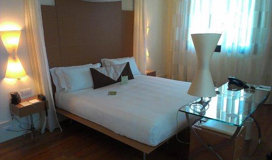 Hilton Garden Inn Florence Novoli: Corner room dual aspect very spacious