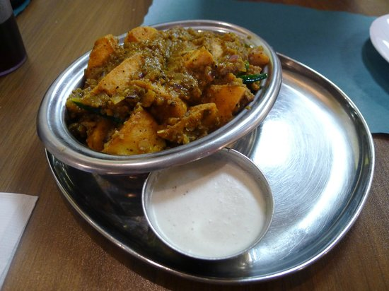 Dosai Place: Mixed Vegetables Idly