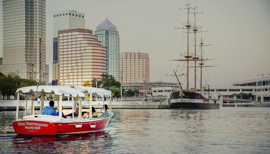 eBoats Tampa: The Buccaneer heads towards the Gasparilla ship