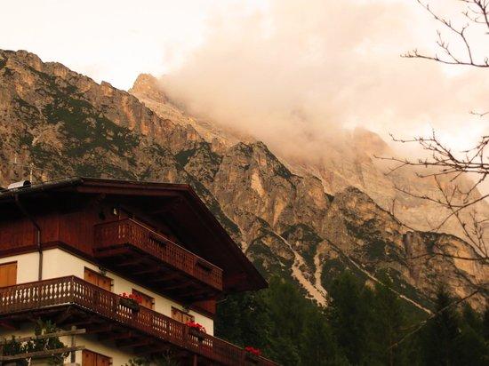 Baita Fraina: Alpen Glow