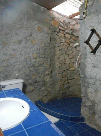 Thongbay Guesthouse: Washroom
