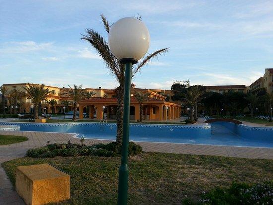 Hotel Dar Ismail : cote piscine