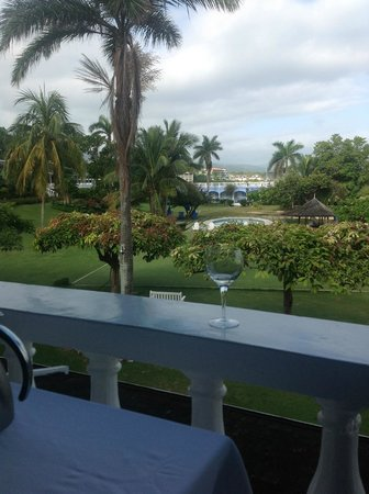 Jamaica Inn: View from Balcony of grounds