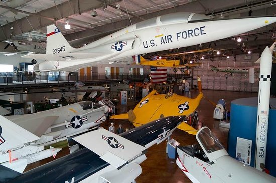Frontiers of Flight Museum: Another view of the hanger.