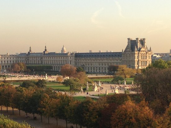 Le Meurice: Вид из окна на Лувр