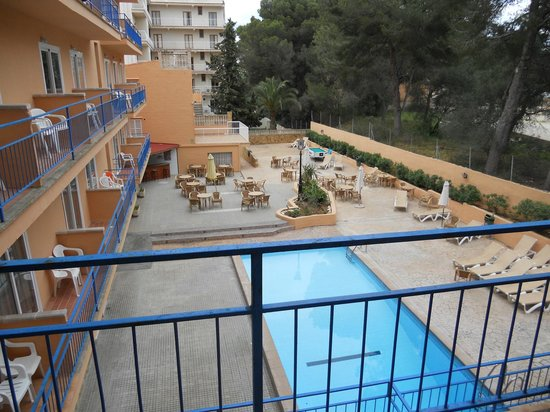 Costa Mediterraneo: Zona de piscina