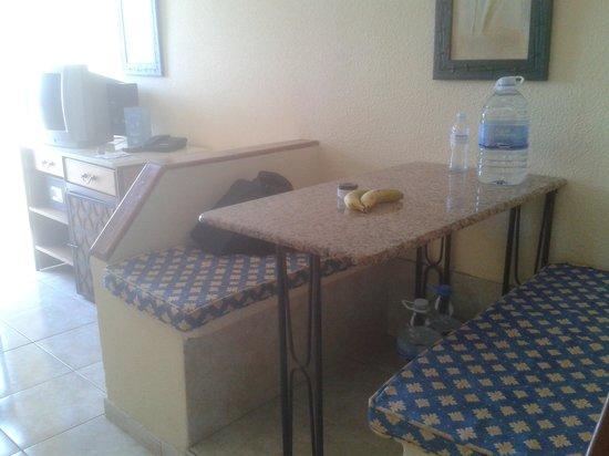 HOVIMA Santa Maria: Dining area - studio