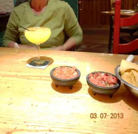 Senor Frijoles : Our drink and salsa