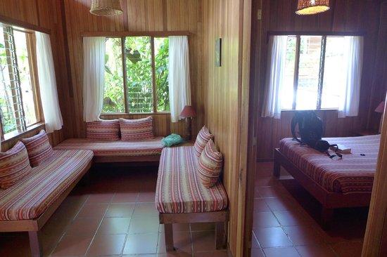Arco Iris Lodge: Zimmer Nr. 1 - Sitzecke + Doppelzimmer