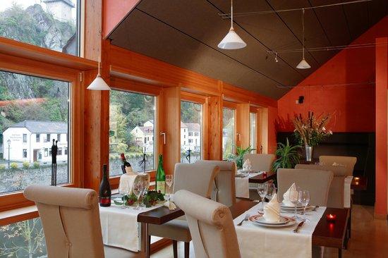 Hotel-Restaurant Victor Hugo : restaurant Esmeralda